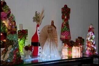 Artesãs oferecem curso de decoração de Natal em Divinópolis - As vagas são limitadas e o curso é gratuito.