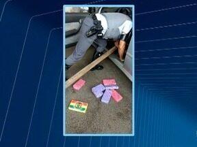 Polícia apreende quase 18 quilos de cocaína em carro - Abordagem foi em Pirapozinho.