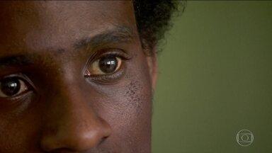 A cada 100 vítimas de homicídio no Brasil, 71 são negras, diz estudo - Levantamento, feito pela ONG Fórum Brasileiro de Segurança Pública, mostrou que o abismo entre brancos e negros aumentou na última década.