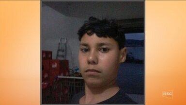 Adolescente de 15 anos é morto por tiro disparado pela PM em Navegantes - Adolescente de 15 anos é morto por tiro disparado pela PM em Navegantes