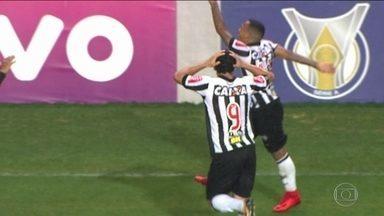 Com golaço de Otero, Atlético-MG vence o Coritiba e cola no G6 - Com golaço de Otero, Atlético-MG vence o Coritiba e cola no G6