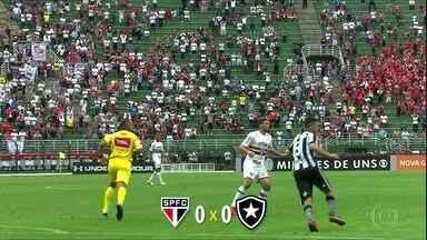 São Paulo empata sem gols com o Botafogo e está livre do rebaixamento - São Paulo empata sem gols com o Botafogo e está livre do rebaixamento
