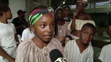 Atividades são realizadas em Barra do Piraí para lembrar Dia da Consciência Negra - Com música e dança, moradores destacaram a cultura africana.
