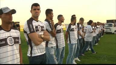 Novo time do Treze é apresentado para a torcida no Presidente Vargas - Confira as novidades do elenco do Galo. Ao todo, 28 jogadores foram anunciados e boa parte deles já está em Campina Grande