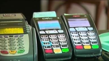 Comerciantes do Sul do ES dizem que mudança na regra do rotativo do cartão não deu efeito - Comerciantes do Sul do ES dizem que mudança na regra do rotativo do cartão não deu efeito.