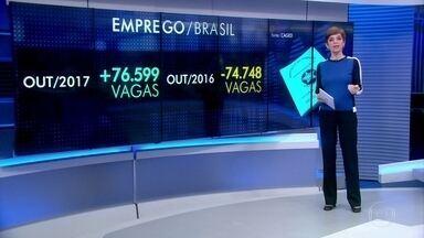 Brasil registra saldo positivo na geração de emprego formal - A pesquisa do CAGED, do Ministério do Trabalho, mostra que esse é o sétimo mês seguido de alta no país.