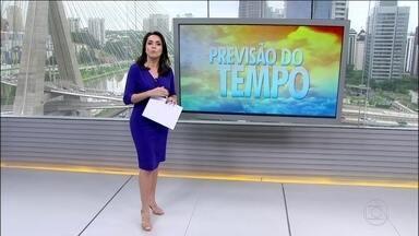 Risco de inundação, enxurrada e deslizamento ameaça alguns estados - A chuva mais volumosa cai no Espírito Santo, Minas Gerais e Rio de Janeiro. O risco é muito alto para enxurradas e deslizamentos. Confira a previsão do tempo para todo o Brasil.