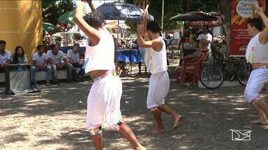 Termina em Caxias terceira edição do 'Aldeia Sesc Balaiada' - Encerramento foi marcado por uma apresentação cultural em uma praça no centro da cidade.