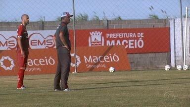 Mazola Júnior tem dúvidas para o último jogo do CRB na Série B - Galo enfrenta o América-MG fora de casa.