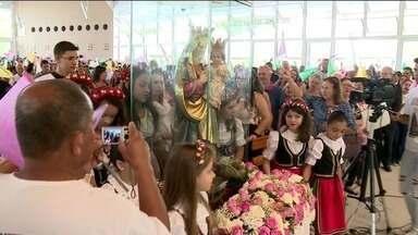 Festa para Nossa Senhora da Saúde reúne milhares de devotos em Ibiraçu, ES - É a maior manifestação de fé mariana do Norte e Noroeste do estado.