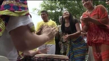 Dia da Consciência Negra é celebrado em Cananéia - Grupos artísticos e de movimentos quilombolas se reuniram na Praça Tiduca. As atividades vão até sexta-feira (24).