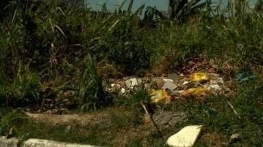 Moradores cobram retirada de lixão e construção de praça de lazer no bairro da Serraria - Comunidade do Loteamento Santa Terezinha reclama do abandono.