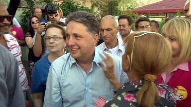 Garotinho, ex-governador do RJ, e a esposa Rosinha são presos - Ele foi preso em casa, no Rio de Janeiro, e ela em Campos, onde é prefeita. Ele já havia sido preso na Operação Check-In.