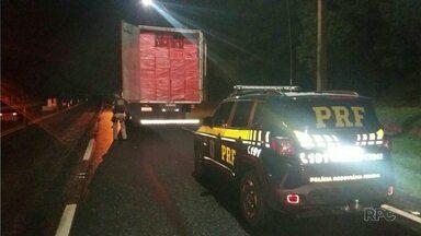 Polícia apreende 2 milhões de reais em cigarros contrabandeados - Motorista seguia de Maringá, mas não disse para onde levava a carga.
