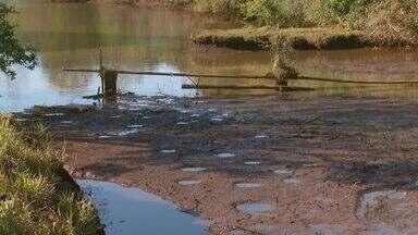 Com chuvas, sobe nível de reservatórios de cidades que racionavam água na região - Apesar disso, Caconde continua com problemas de abastecimento de água.