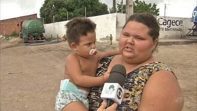 População de bairro em Fortaleza é atormentada por muriçocas e mau cheiro - Confira mais notícias em G1.Globo.com/CE