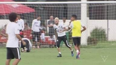 Lucas Lima é liberado dos próximos jogos do santos no Brasileiro - Jogador foi afastado pela diretoria do Santos após reunião da última terça-feira (21). Destino do meia deve ser o Palmeiras.