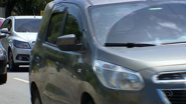 Governo do RS estuda retirar desconto de bom motorista do IPVA - A isenção da cobrança para carros antigos também está em análise.