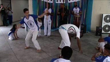 Projeto em Três Rios valoriza a cultura negra - Música e capoeira fizeram parte da comemoração do sarau.