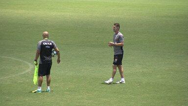 Vitória: Mancini ainda não dá pistas do time que enfrenta a Ponte Preta - Confira as notícias do rubro-negro baiano.