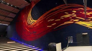 Antena Paulista - Edição de 26/11/2017 - Obra de Tomie Ohtake é reconstruída após incêndio. Obra de Tomie Ohtake é reconstruída após incêndio. Projeções em prédios ajudam a deixar o centro da capital paulista mais colorido.