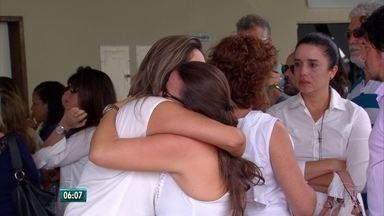 Vítimas de acidente provocado por motorista bêbado são enterradas e recebem homenagens - Mãe e filho foram sepultados no Grande Recife e babá foi enterrada no interior do estado