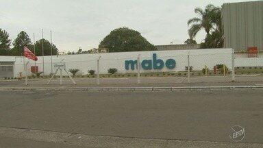 Ex-funcionários da Mabe começam a receber valores atrasados após leilão - Os valores serão quitados a partir desta terça-feira.