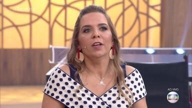 Carla representou o Brasil no Miss Mundo Cadeirante - Ela perdeu o movimento das pernas e das mãos aos 17 anos e fala como foi sua adaptação após o acidente. Miss também conquistou sua primeira medalha no tênis de mesa e aceita desafio para jogar com Marcos Pasquim
