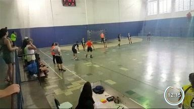 Moradores do Jardim Vale do Sol reclamam de problemas no poliesportivo - Veja os problemas.