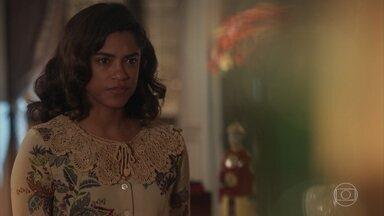 Eunice avisa a Conselheiro Francisco e Celeste sobre homem rondando a casa - Eles acreditam que o homem seja da policia