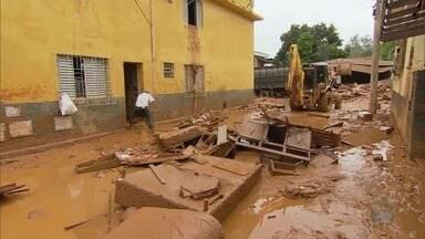 Bombeiros encontram a quarta vítima das chuvas em Minas Gerais - Bombeiros encontram a quarta vítima das chuvas em Minas Gerais