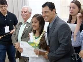 Premiados na Obmep, estudantes do Norte de Minas são festejados - Evento em Montes Claros marcou comemoração.