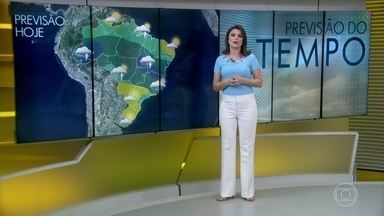 São Paulo tem previsão de 30° e possibilidade de chuva forte - Em Vitória, 30° também, e previsão de chuva mais fraca. Em Belo Horizonte, máxima de 28°e pode chover forte. No Rio, 30° e sem chuva. Na região sul, previsão de chuva só em Curitiba, Florianópolis e Porto Alegre não.