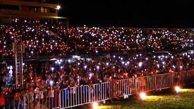 Milhares de católicos participam do Adoremos a Deus - Outras informações no g1.com.br/ce