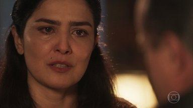 Delfina diz a José Augusto que sempre o amou - José Augusto estranha revelação. O Dono da Quinta fala que nunca mandou Delfina embora por causa de Tereza