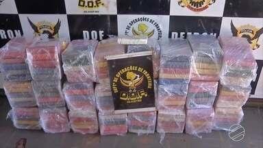 DOF apreende quase 300 kg de cocaína com motorista já procurado pela polícia em MS - A droga estava em um compartimento falso na cabine do caminhão. Foi a maior apreensão de cocaína feita pelo departamento em 2017.