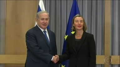 Netanyahu pede à UE que reconheça Jerusalém como capital de Israel - Primeiro-ministro israelense participou de reunião na Bélgica. Ministros do bloco condenaram a decisão de Trump.