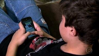 Unicef diz que 70% dos jovens do mundo têm acesso à internet - Mas relatório mostra que pouco é feito para proteger jovens e crianças das ameaças digitais; 42% dos jovens aprenderam a usar a internet sozinhos.