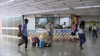 Greve do metrô será julgada no Tribunal Regional do Trabalho - Está marcado para segunda-feira (18) um julgamento que pode acabar com a greve do metrô. Passageiros buscam alternativas de transporte público.