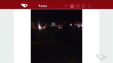 Morador reclama de escuridão em rua de Marataízes, no Sul do ES - Prefeitura disse que vai fazer a troca da lâmpada nesta semana.