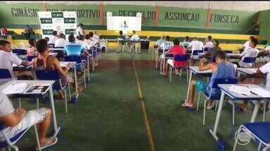 Mais de 1000 pessoas fazem nova prova do Enem no Piauí - Mais de 1000 pessoas fazem nova prova do Enem no Piauí