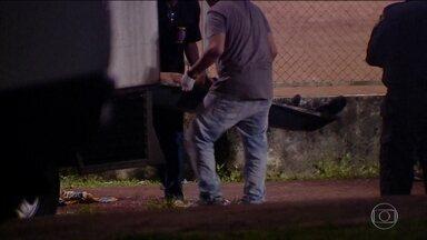 Disputa de facções teria provocado chacina em jogo de futebol - O caso aconteceu em Manaus nesta semana e seis pessoas foram mortas.