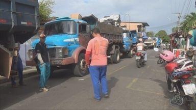 Servidores paralisam atividades em Manacapuru, no AM - Eles reclamam de salários atrasados.
