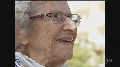Morre aos 105 anos primeira mulher a ingressar no Ministério Público - Morreu na noite de quarta-feira (13), aos 105 anos, Zuleika Sucupira Kenworthy, a primeira mulher a ingressar no Ministério Público. Ela nasceu em Jundiaí (SP) e passou a morar em Sorocaba (SP) após se aposentar.