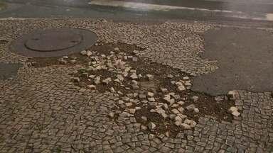 Levantamento mostra situação das calçadas no Plano Piloto - Levantamento de um grupo chamado Associação Andar a Pé mostra situação das calçadas no Plano Piloto. O grupo percorreu as calçadas de Brasília para chegar ao resultado do levantamento.