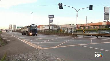 DER libera reabertura de cruzamentos fechados na BR-376, em Sarandi - Viapar e DER estão num impasse sobre quando os cruzamentos devem ser reabertos
