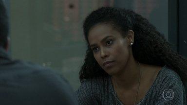 Nina tenta descobrir informações sobre o depoimento dos ladrões - Siqueira e Antônia ouvem a versão de Agnaldo para a participação de Malagueta no roubo do hotel