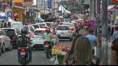JPB2JP: Comércio lotado faz motoristas terem dificuldades para estacionar - Acabam cometendo infrações.