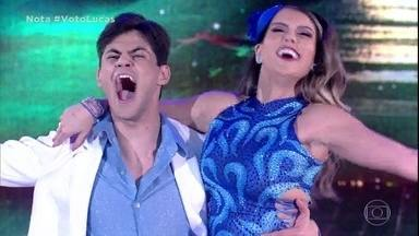 Lucas Veloso arrasa no samba - Primeira dupla se apresenta na final do Dança dos Famosos