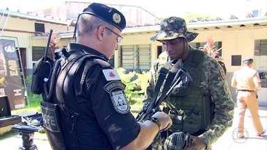 Zagueiro Digão, do Cruzeiro, vive dia de soldado na tropa de elite da Polícia Militar - Zagueiro Digão, do Cruzeiro, vive dia de soldado na tropa de elite da Polícia Militar